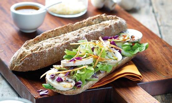 Mbujape - Sandwich y Café - Lago de la República CDE